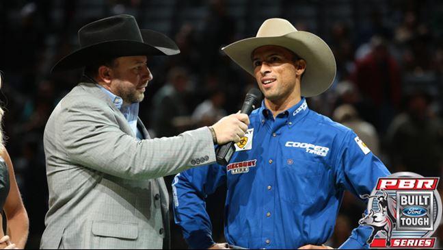 2017 Sec Champions >> Professional Bull Riders - Aparecido wins 15/15 Bucking Battle in Sacramento