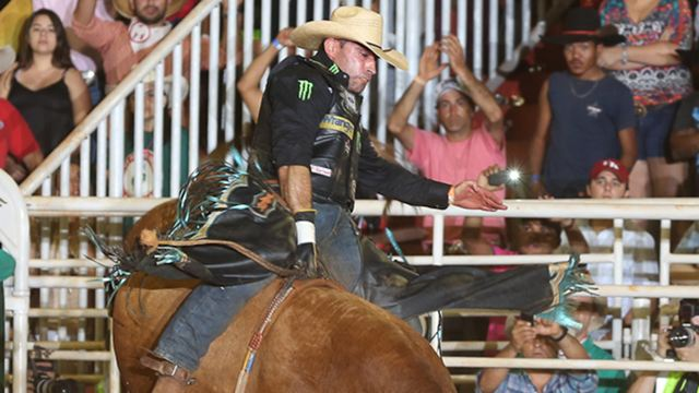 Behind the Chutes: Thackerville draw